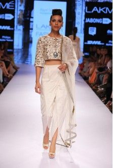 Payal Singhal Indian Wear Collection : : Zubaida Dhoti Set : Ivory Dupion Silk Crop Top With Zardosi & Leather Applique Embroidery Worn With Dhoti Pants & Tulle Dupatta. Indian Fashion Trends, Asian Fashion, Women's Fashion, Indian Attire, Indian Wear, Indian Style, Indian Dresses, Indian Outfits, Dhoti Saree