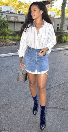 Style Rihanna Outfits Skirts Ideas For 2019 Rihanna E, Looks Rihanna, Rihanna Street Style, Rihanna Outfits, Rihanna Dress, Rihanna Fashion, Denim Fashion, Look Fashion, Fashion Outfits
