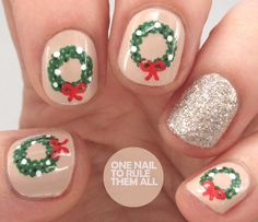 One Nail To Rule Them All: Christmas Wreaths for Divine Caroline
