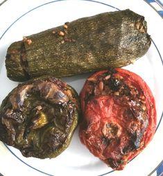 Γεμιστά με πλιγούρι, της Βιβής Νικολάου - Argiro.gr Baked Potato, Beef, Baking, Ethnic Recipes, Food, Meat, Bakken, Meals, Ox