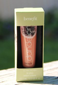 I love it: Dandelion lip gloss by Benefit Cosmetics Smells sooo good!