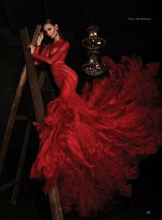 Ideas For Fashion Photography Fantasy Gowns Red Fashion, Couture Fashion, Fashion Dresses, Elegant Dresses, Beautiful Dresses, Fantasy Gowns, Fotos Do Instagram, Red Gowns, Glamour