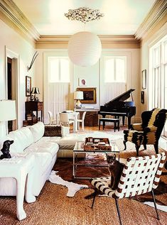 New Orleans is the place for this gorgeous house tour. Enjoy!!!!