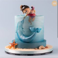 Sweet Little Girl With The Dolphin Kids Cake. Cute Cakes, Pretty Cakes, Beautiful Cakes, Amazing Cakes, Baby Cakes, Sea Cakes, Girl Cakes, Decoration Patisserie, Animal Cakes