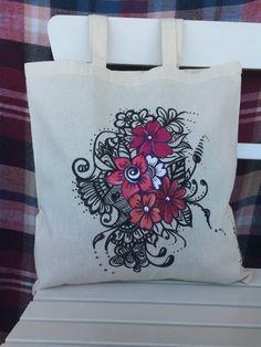 hand painted tote bag. cotton tote bag. diseño de bonitas flores en bolsa de tela pintada a mano. bolsa 100% algodón