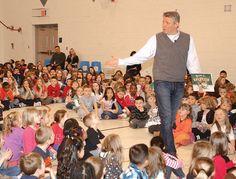Students go 'Wilde' for Devin Scillian