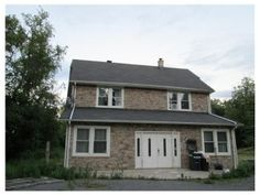 Price:$189,900 Beds: 4 Bed Baths:3 Bath Lot Size:1.63 Acres Year Built:1826  Read more on REALTOR.com: 434 Broadway, Freehold Twp, NJ 07728