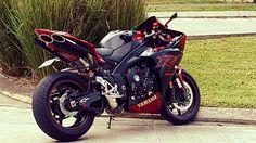 Yamaha R1 RN22