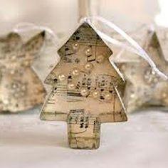 New Victorian Christmas Tree Ornaments Sheet Music Ideas Victorian Christmas Tree, Shabby Chic Christmas, Rustic Christmas, Vintage Christmas, Christmas Ornaments To Make, Noel Christmas, Homemade Christmas, Christmas Projects, Xmas