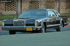 1978 Lincoln Continental Mark V Wallpaper