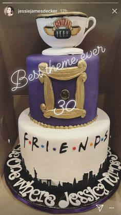 See Inside Jessie James Decker's 'Friends' Themed Birthday Bash 30th Birthday Party Themes, Friends Birthday Cake, Friends Cake, Themed Birthday Cakes, 14th Birthday, Themed Cakes, 30th Birthday Cake For Her, Friends Themed Wedding, Cute Cakes