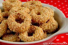 gülay mutfakta: tuzlular Turkish Tea, Tea Time Snacks, Bagel, Yogurt, Tea Party, Food And Drink, Pizza, Cooking Recipes, Bread
