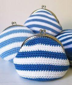 Virkattu kolikkokukkaro, käsityövinkki 30/2017 Frame Purse, Pouch, Wallet, Crochet Purses, Handicraft, Mini Bag, Upcycle, Diy And Crafts, Crochet Patterns