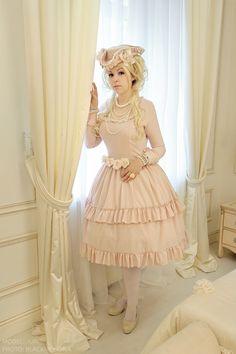 Original aristocrat lady (lolita fashion + Mozart l'Rock Opera inspired) OP Handmade by Kitsumi Other: taobao Model: Juri Photo/retouch: Bla...