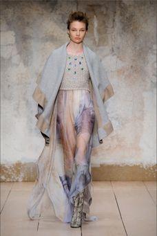 Модные пончо осень-зима 2017-2018 #шоппингвмилане #стилиствмилане #шоппингвиталии #стилиствиталии #мода #стиль #итальянскаямода #шоппингвриме #модныепончо #осень2017 #персональныйшоппервмилане #персональныйшоппервриме #шоппермилан #милан #италия #рим