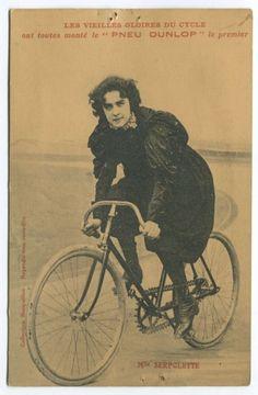 Cette série sur le cyclisme féminin d'antan, se termine avec Mlle Serpolette, une femme pionniére dans le domaine de la bicyclette et de la moto et du tricycle motorisé.  En savoir plus (english) : The dawn of the motor age in South Australia