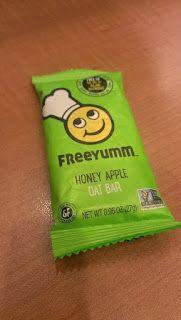 Banshee's Breakfast: Review - Freeyumm Apple Oat Bar