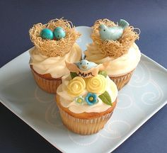 Mama Bird Cupcakes by kellbakes for Baking911, via Flickr