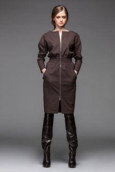 New Ideas For Clothes Ideas For Women Life Boho Outfits, Classy Outfits, Stylish Outfits, Fashion Carpet, Designer Plus Size Clothing, Wrap Around Dress, Minimalist Fashion Women, Abaya Designs, Sweatshirt Dress