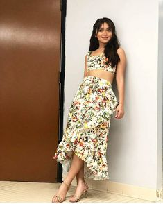 Kathryn Bernardo 🌟 Boho Outfits, Dress Outfits, Fashion Outfits, Filipina Actress, Filipina Beauty, Kathryn Bernardo Outfits, Asian Beauty, Style Icons, Fashion Models
