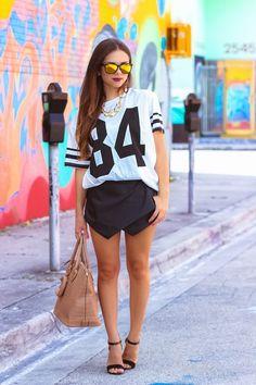 Klau deinem Mann das Sport-Shirt und schon kannst du den perfekten Sporty-Chic-Look kreieren! #streetstyle #sporty