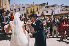 Vestido de novia realizado por Teresa Palazuelo. http://teresapalazuelo.com/BLOG/la-boda-de-gloria/