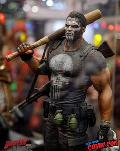 The Punisher premium format statue by Sideshow Collectibles New York Comic-Con Photo credit: Kris Bales (aka Bmutha) Marvel Characters, Marvel Heroes, Marvel Dc, Captain Marvel, Arte Do Hulk, Comic Books Art, Comic Art, Punisher Comics, The Punisher