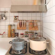 Dream Apartment, Apartment Interior, Kitchen Interior, Kitchen Decor, Kitchen Design, Korean Kitchen, Deco Studio, Cocinas Kitchen, Cute Kitchen