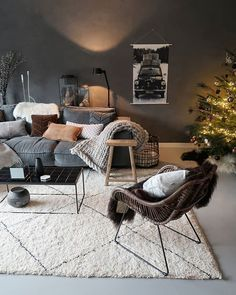 New Living Room Inspiration Black Couch Ideas Grey Walls Living Room, Living Room Grey, Rugs In Living Room, Living Room Decor, Grey Wall Decor, Grey Home Decor, White Decor, Interior Exterior, Interior Design