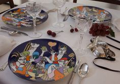 La Boheme #colourful fine #dinning #tableware #porcelain #showplate #chargerplate #platinum #gold #artist #kunst #porcelæn #farver #figure  #elizabethromhild #hjem #bolig #living #lifestyle