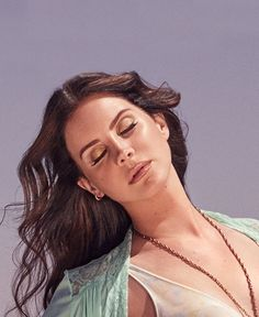 Find images and videos about beautiful, lana del rey and lana on We Heart It - the app to get lost in what you love. Lana Del Rey High, Lana Rey, Lanna Del Rey, Most Beautiful Women, Beautiful People, Estilo Dandy, High By The Beach, Elizabeth Grant, Brooklyn Baby