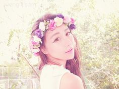 DIY Flower Crown Head Accessory  Find the tutorial at: http://www.wengie.com/2013/11/diy-flower-crown-head-accessory.html
