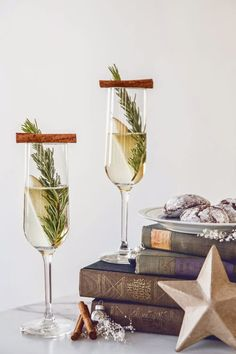 {The Staging Scoop}: Sprucing Up for the Holidays  #cocktails #holiday