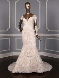 Isabelle Armstrong Diamond White / Nude Lace Glenn X Formal Wedding Dress Size 10 (M) Formal Dresses For Weddings, Wedding Dresses For Sale, Wedding Dress Sizes, Formal Wedding, Designer Wedding Dresses, Bridal Dresses, Sheer Wedding Dress, Wedding Dress Sleeves, Lace Wedding