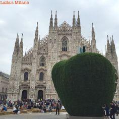 """La mela reintegrata"": the giant apple by Pistoletto Barcelona Cathedral, Apple, Travel, Apple Fruit, Viajes, Destinations, Traveling, Trips, Apples"