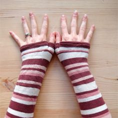Turn a pair of socks into cozy armwarmers! Easy step-by-step tutorial with pictures.