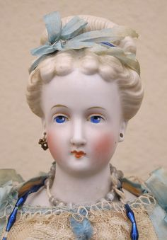 Conta  & Boehme Parian Doll Victorian Dolls, Antique Dolls, Vintage Dolls, Antique China, Vintage China, China Dolls, Doll Costume, Old Dolls, Wooden Dolls