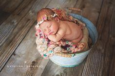 Darinka newborn posing