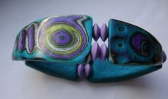 Bracelet by Carrie Harvey using Helen's Textured Tile Tutorial for the tile construction and shape.