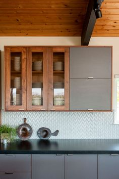 A Modern Zen Kitchen Inspired by Japanese Tea Houses | Rue
