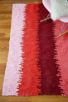 DIY: static lines woven rug