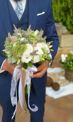 Wedding bouquet with eustoma, astilbe, ami and fresh levander.
