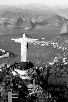 Christ The Redeemer - Rio Ozzy Osbourne, Places Around The World, Around The Worlds, Cool Photos, Beautiful Pictures, Beautiful Places, Amazing Photos, Wonderful Places, Christ The Redeemer