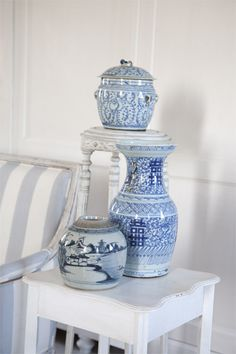 vaas-gemberpotten English Country Style, Country Style Homes, Blue Willow China, Swedish Cottage, Blue And White Vase, White Rooms, White Houses, White Porcelain, Everything's Alright