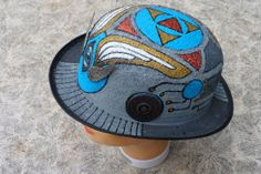 Eion bowler hat - side
