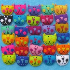 Kooky Kat Brooch * would be a cute design for a kids pillow