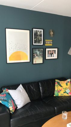 Calling all small space dwellers! Big city apartments, vintage home layouts, and modern space downsizing all call for design that […] Teal Bedroom, Teal Painted Walls, Teal Walls, Dark Teal Bedroom, Bedroom Design, Home Decor, Small Bedroom, Guest Room Office, Bedroom