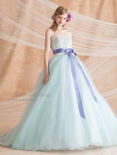 必ず1回は試着しないと後悔するかも。可愛すぎるチュノアウェディングのカラードレスまとめ*にて紹介している画像