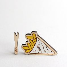 These cheeky chips and little yum chip fork brooch sets will be ready to order in my Etsy shop tomorrow :) There are only five sets made so far...! #RockCakes #lasercut #jewellery #handmade #wooden #brooches #GetYourBlingOn #etsy #etsyuk #btnetsy by rockcakes