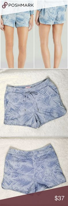 """Ted Baker London Demitra Palm Print Denim Shorts Excellent used condition.  No stains or tears.  Super cute and comfy update on denim shorts These are sof and fully lined Side zipper  Front draw string  Measures flat Waist 32"""" Rise 11.25"""" Inseam 3.5""""  Ted Baker size 3 is US 8 Ted Baker London Shorts"""
